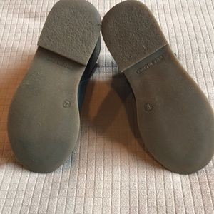GAP Shoes - Gap Girls Black Boot